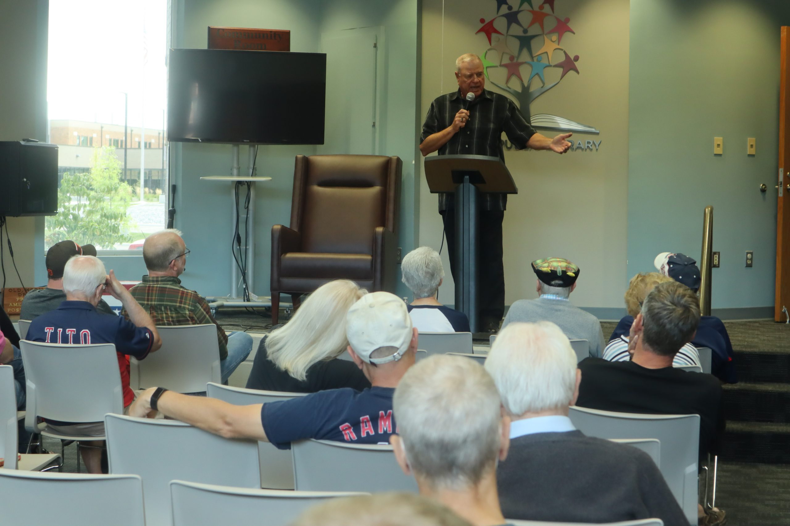Bruce Drennan speaks to an audience at the Dover Public Library on Saturday, September 4, 2021.